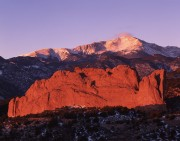 Pikes Peak,Colorado, Garden of the Gods, Colorado Springs, mountains,North Gateway Rock,sunrise